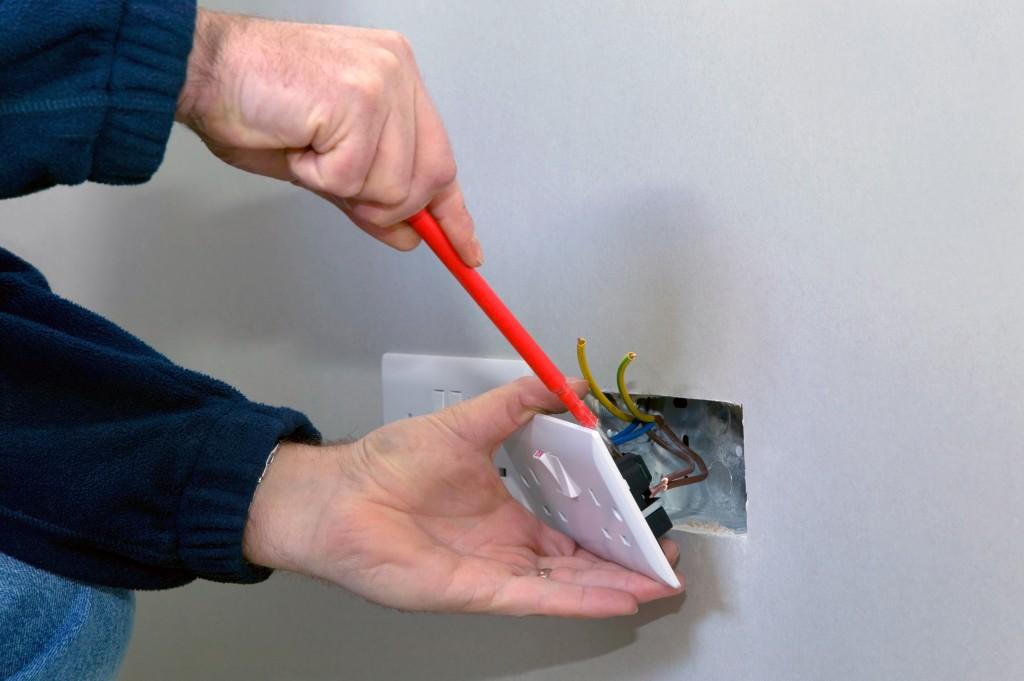 Монтаж выключателя своими руками фото